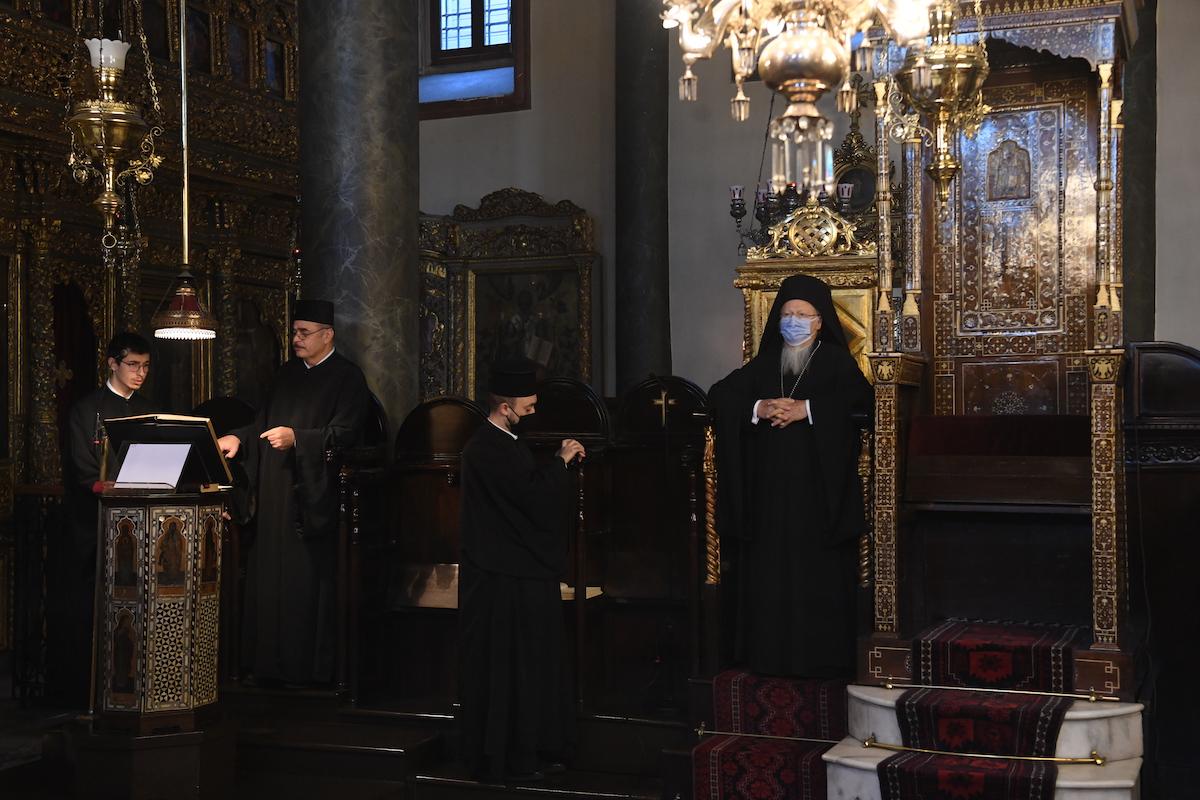 """Οικουμενικός Πατριάρχης: """"Ευχαριστούμεν τον Θεόν που μετά την αδικίαν της Χάλκης ωδήγησε τα βήματα πολλών νέων κληρικών και υποψηφίων κληρικών εις την Πόλιν"""" adologala adolo gala αδολο γαλα ειδησεις ενημερωση εκκλησιες πατριαρχεια ενημερωση εκκλησιαστικη ειδησεις enimerosi ekklisies patriarxis patriarxeia enimerosi ekklisiastiki"""